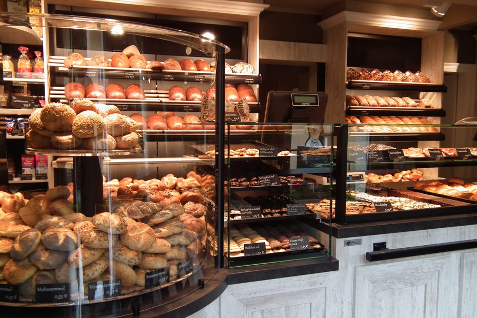 Ansicht des Ladengeschäftes der Bäckerei Meyer - das Brötchenkarussel